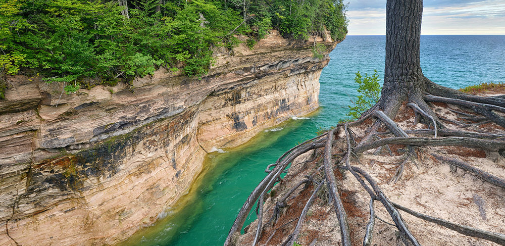 Chapel-Cove-Pictured-Rocks-Cruises-01.jpg