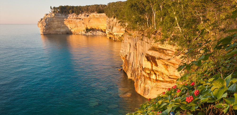 Indian-Head-Pictured-Rocks-Cruises-01.jpg