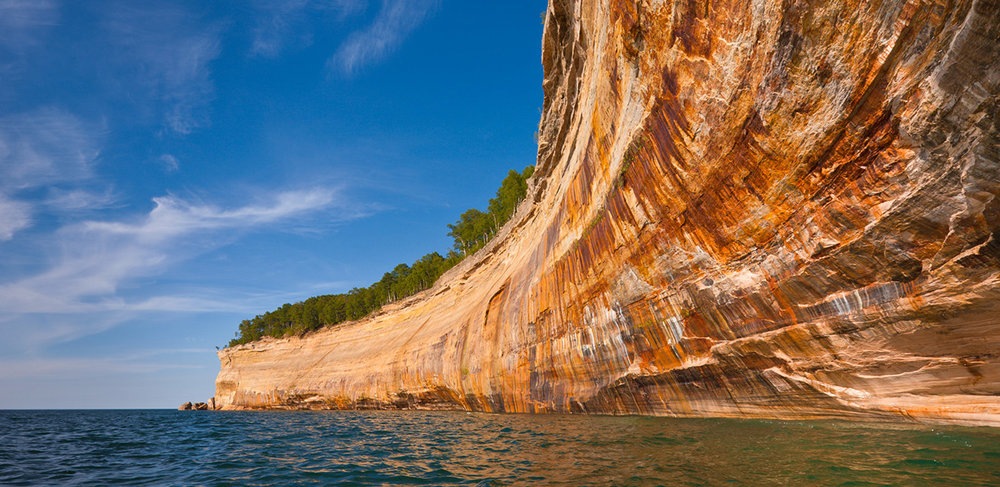 Painted-Coves-Pictured-Rocks-Cruises-01.jpg