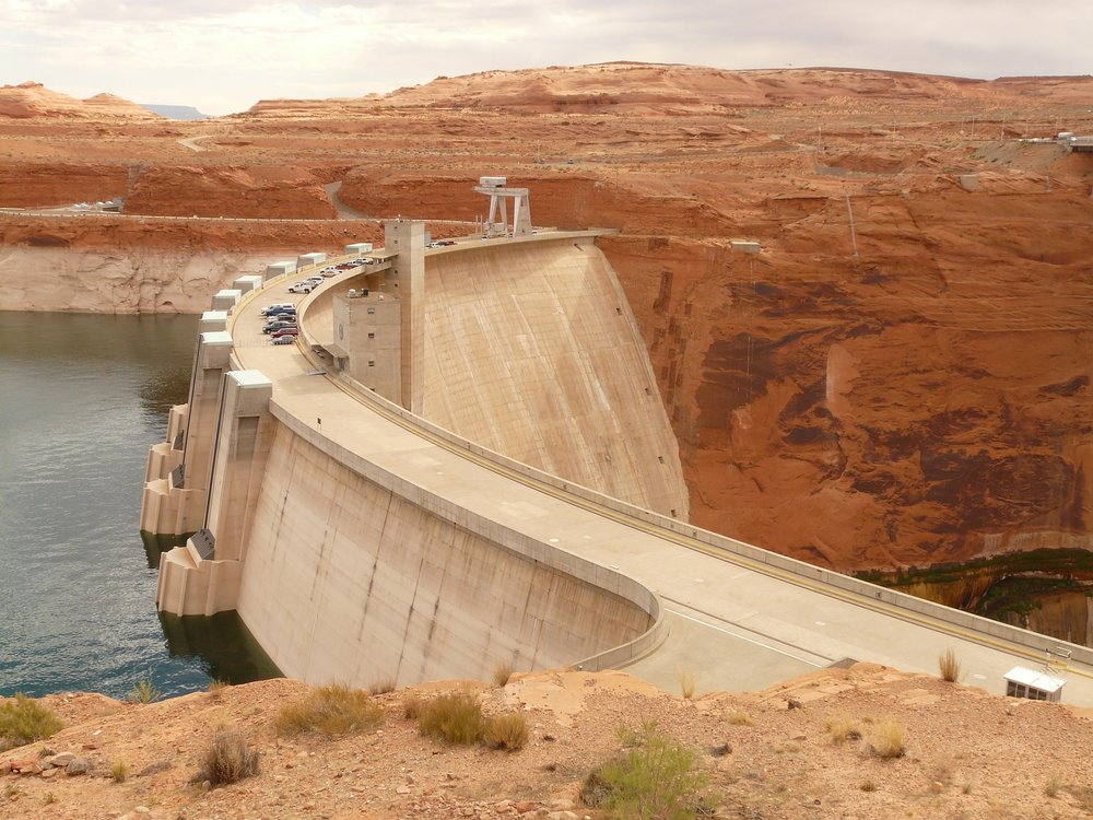 glen-canyon-dam-4576_1920.jpg