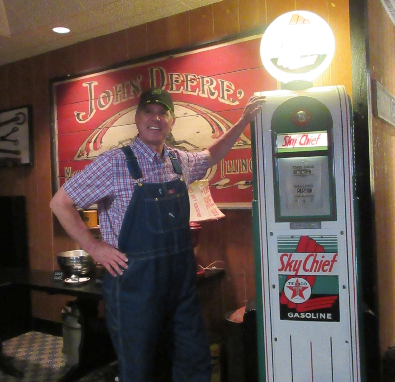 Joe is ready to fill up...with good country cookin' at the Machine Shed