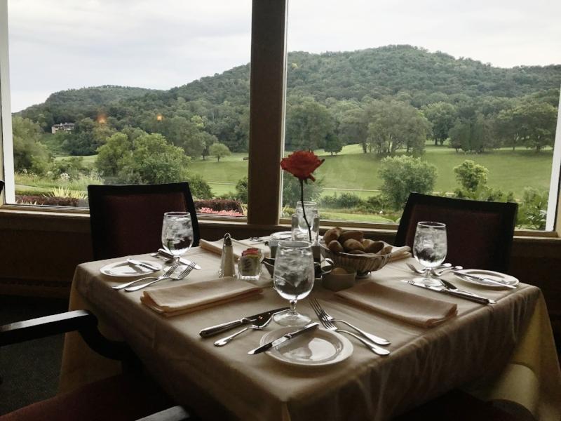 Table at Signatures Restaurant