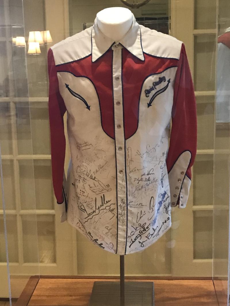 Elvis's Jacket at Signatures Restaurant