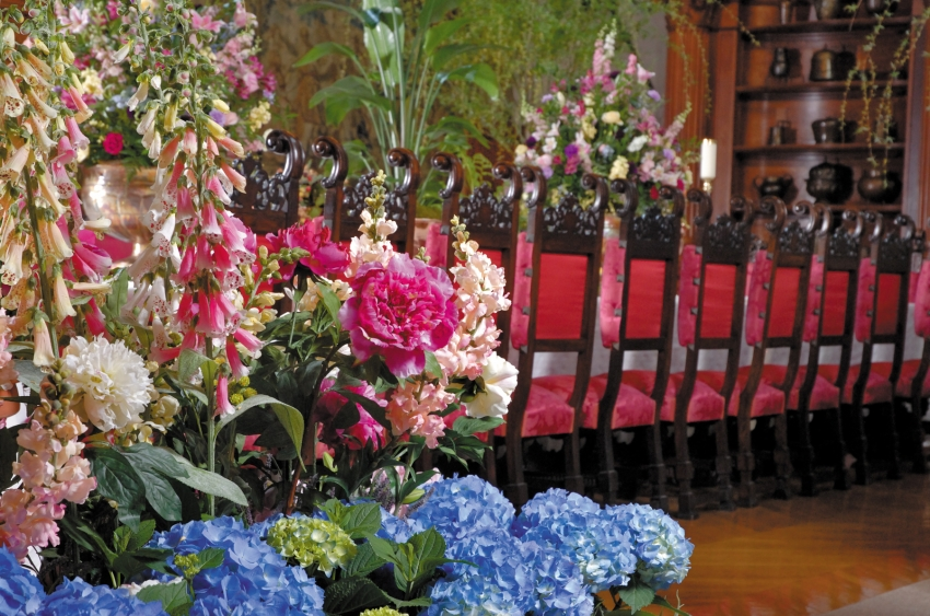 Biltmore banquet hall with flowers.jpg