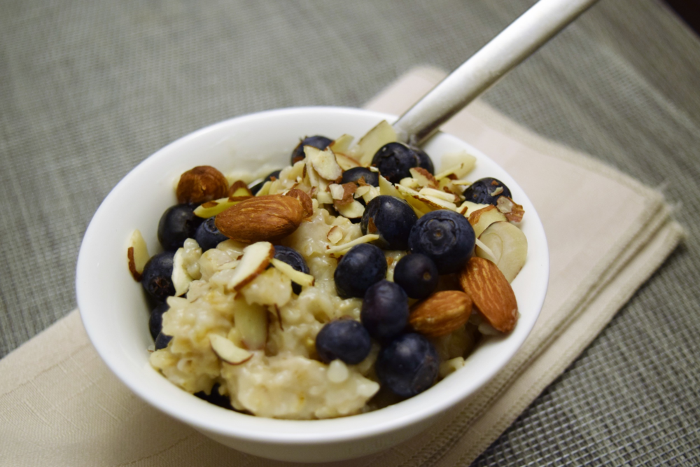 Oatmeal with nuts and blueberries
