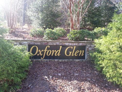 oxford glen sign.jpg