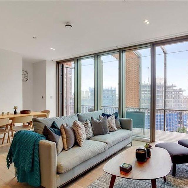 Onde universite kampuslerine cok yakin bir bolgede yepyeni 24 saat guvenlik gorevlisi olan binada 2 oda 2 banyolu toplamda 95 metrekare #kiralık  daire | #emlak | Ref 20190412 --------------------------------------------- 🇬🇧🔑 #londonhome #londonhomes #luxuryhomes #newhomes #flattorent #studentlife #londonrental #luxuryliving #lifeinlondon #londonlife #london_enthusiast #lovelondon #prettycitylondon #emlak #realestate #relocation #estateagent #londonbylondoners
