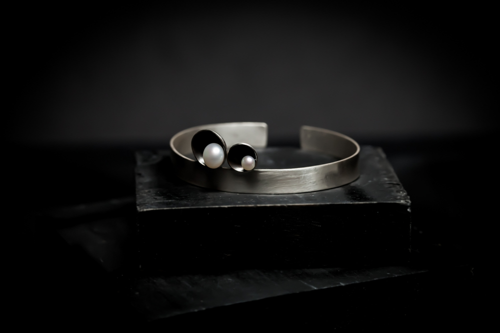 Cuff with Two Pearls