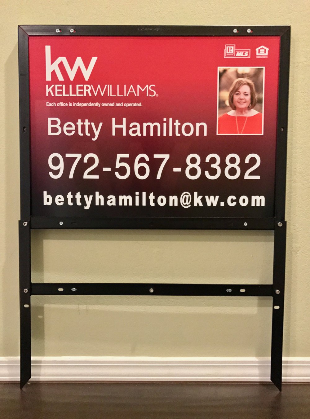 Keller Williams Realty 18%22 x 24%22 Panel & EZ Frame.jpeg