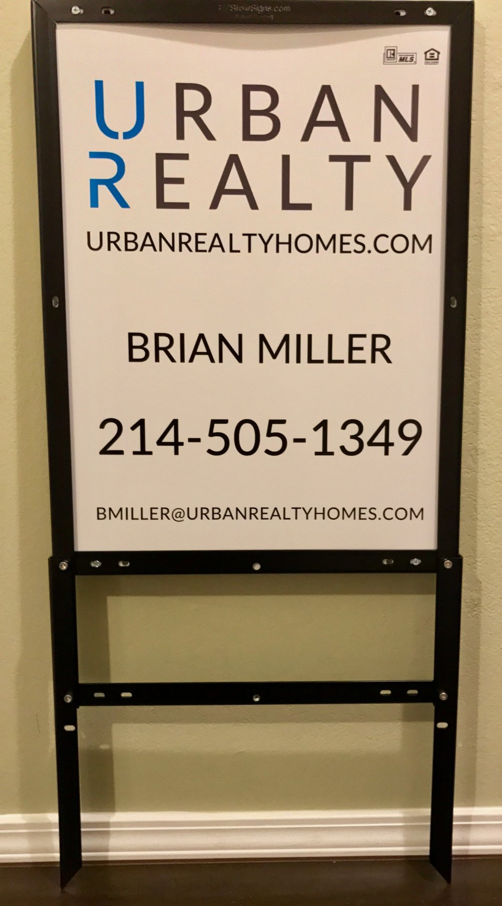 Urban Realty 24%22 x 18%22 Panel & EZ Frame.jpeg