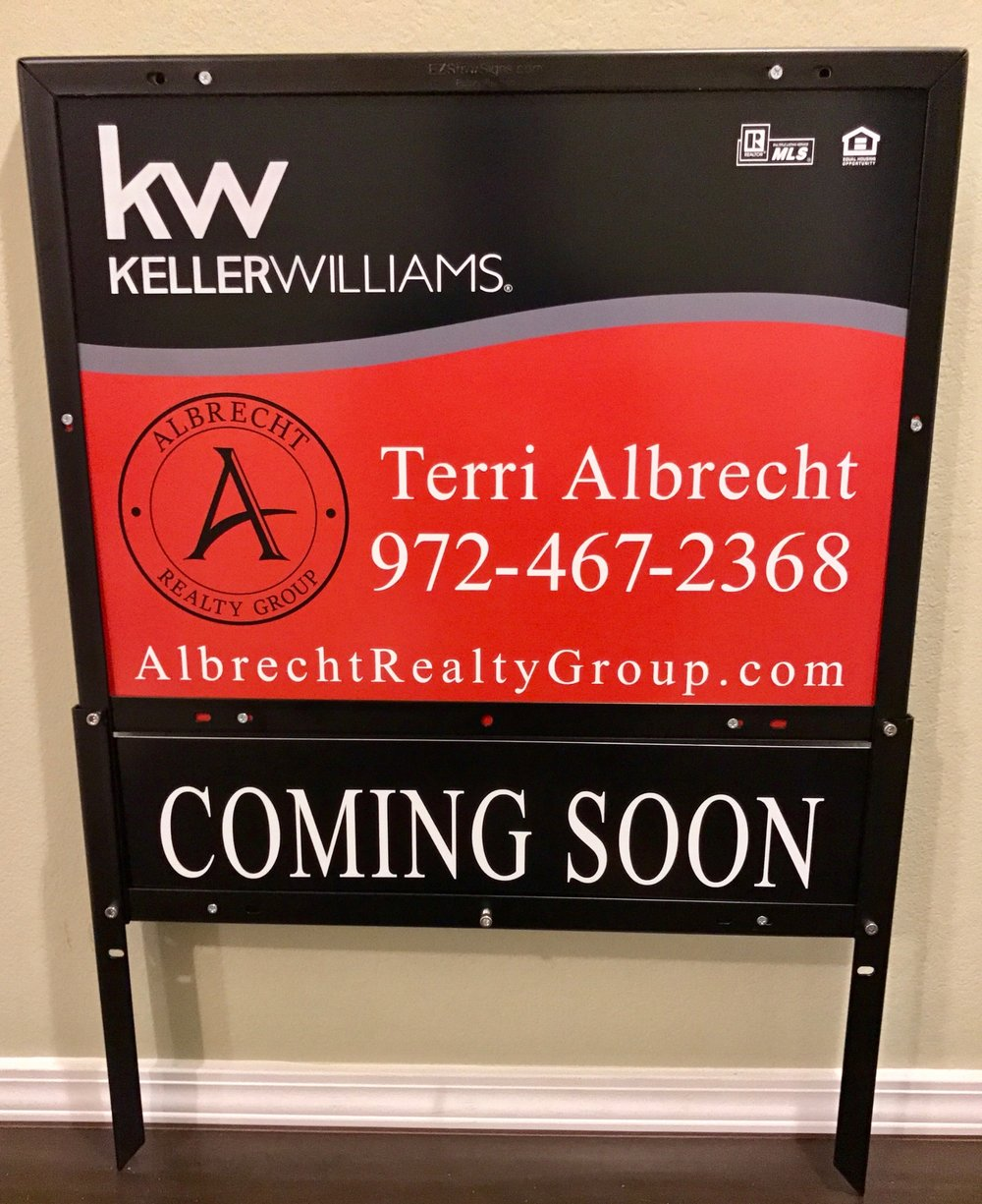 Keller Williams Realty 18%22 x 24%22 Panel & 6%22 x 24%22 Custom Aluminum Rider & EZ Frame.jpeg