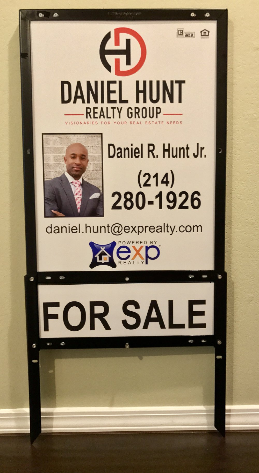 EXP Realty Daniel Hunt Vertical Combo.jpg