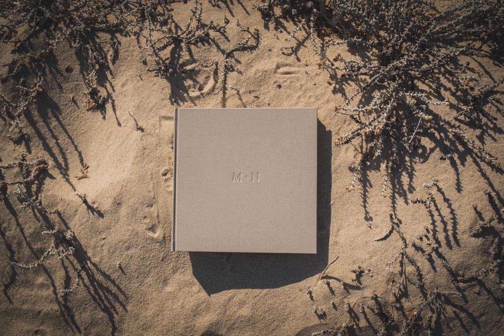 copertina sabbia album matrimonio