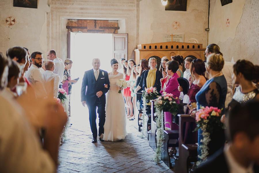 entrata della sposa in chiesa