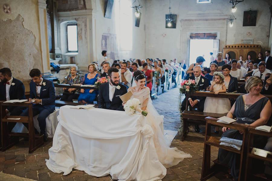 sposi durante il matrimonio