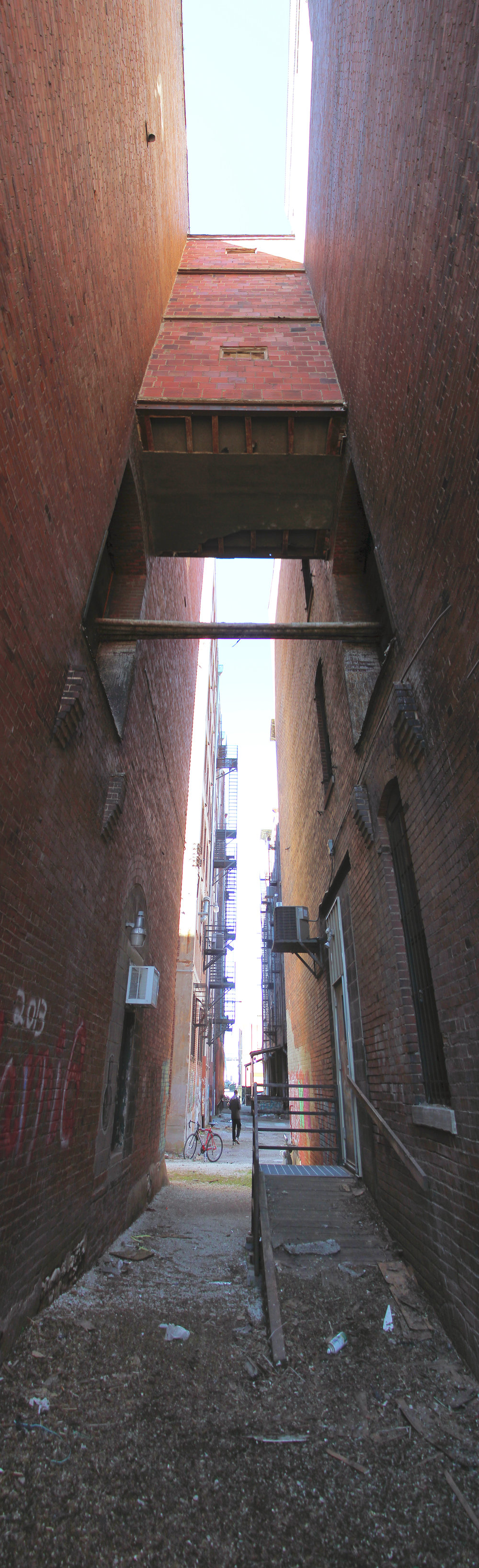 Pano 1 - Alley Enclosure.jpg
