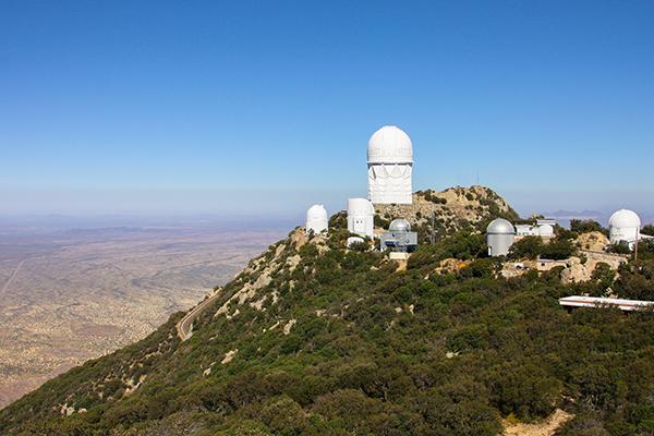 Kitt_Peak_National_Observatory_(1)_-_Flickr_-_Joe_Parks.jpg