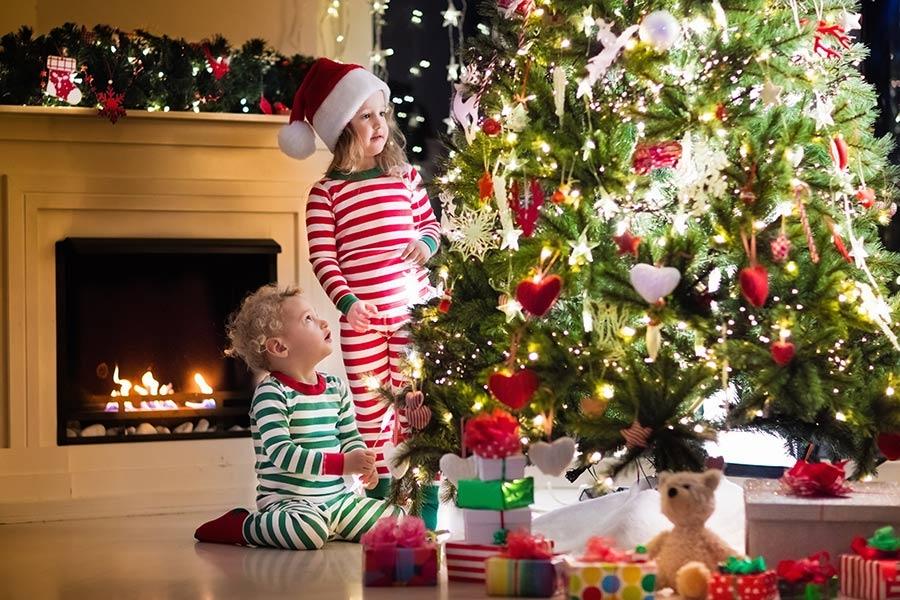 Children-Christmas-Toys-a.jpg