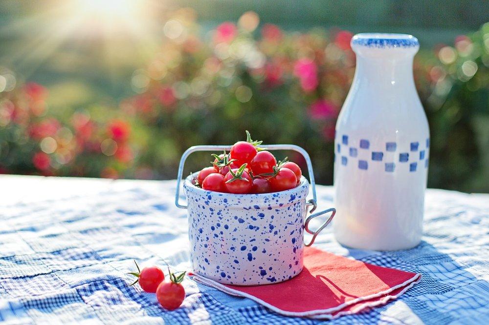 cherry-tomatoes-2566458_1280.jpg