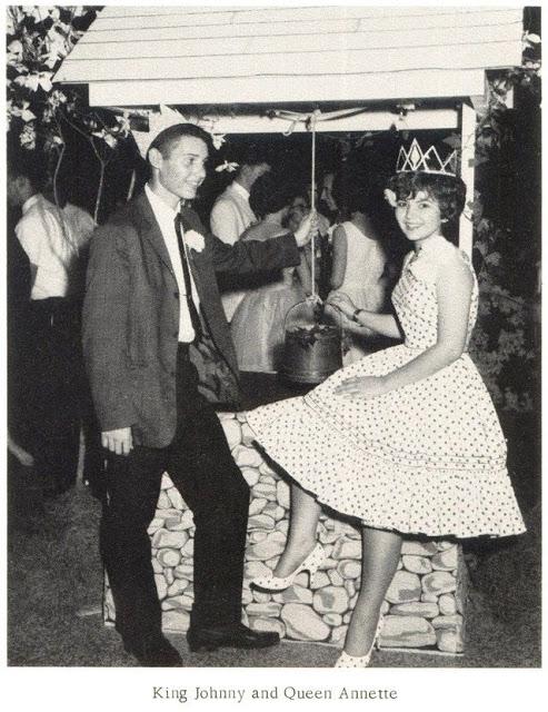 high-school-prom-10.jpg