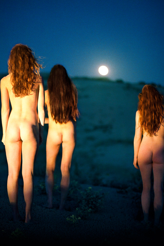 Sisters Moonrise,  2012