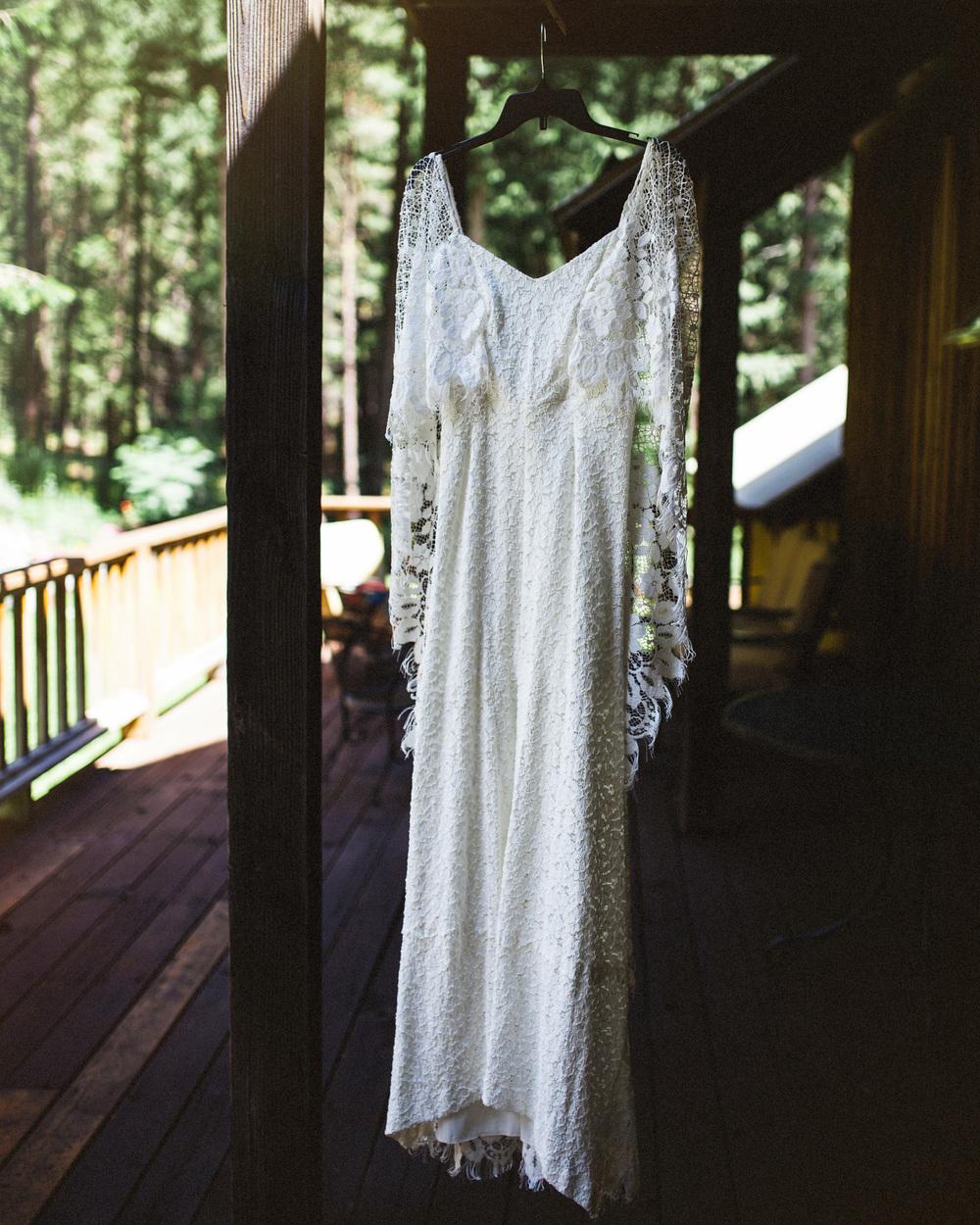 Lace Wedding Dress | PNW Wedding