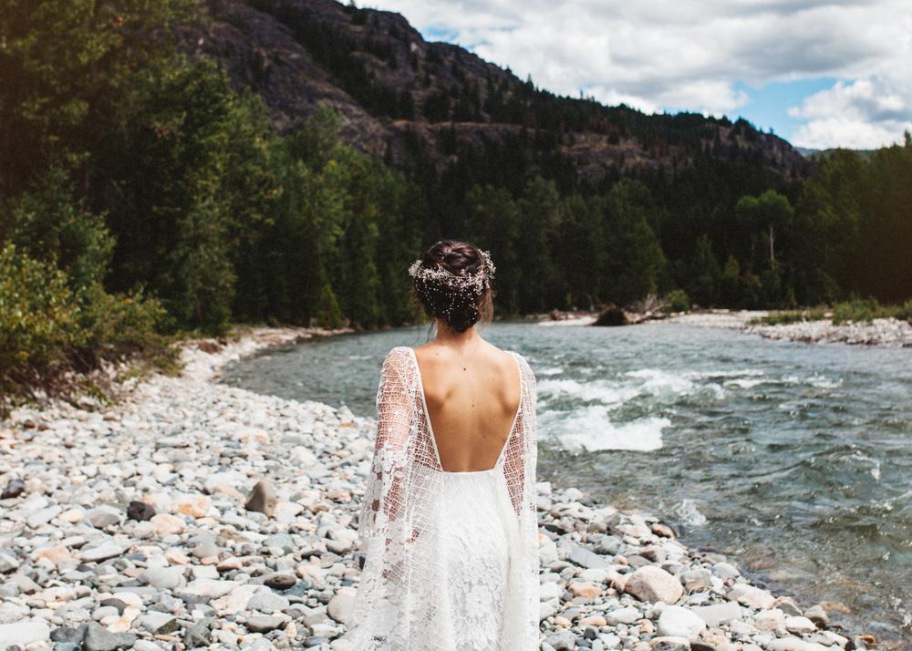 Boho PNW Wedding | Lace Wedding Dress