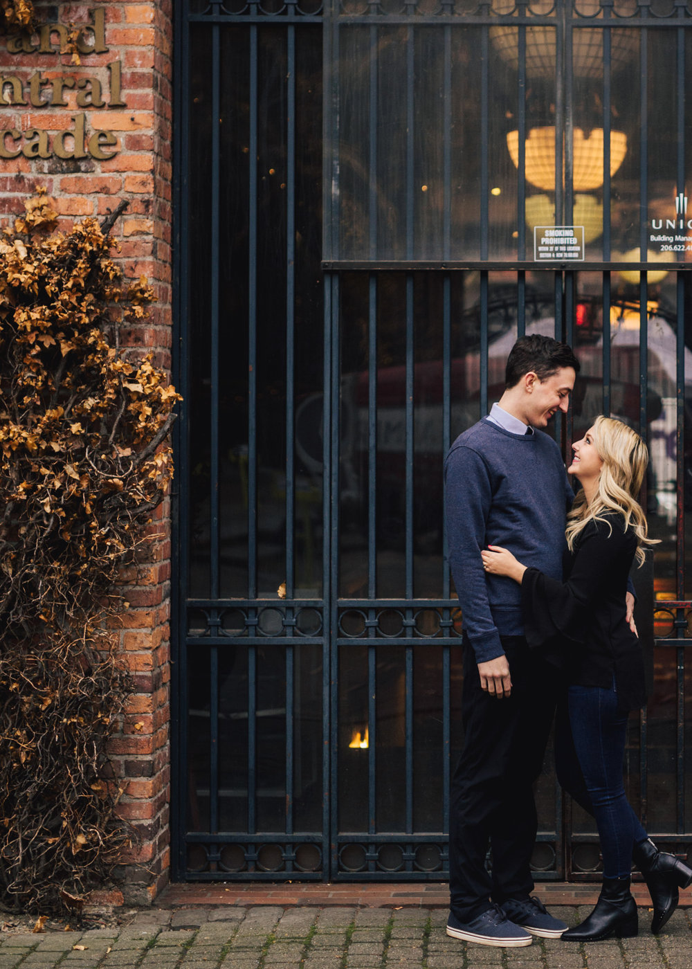 Seattle Pioneer Square Cozy Engagement Photos (3 of 14).jpg