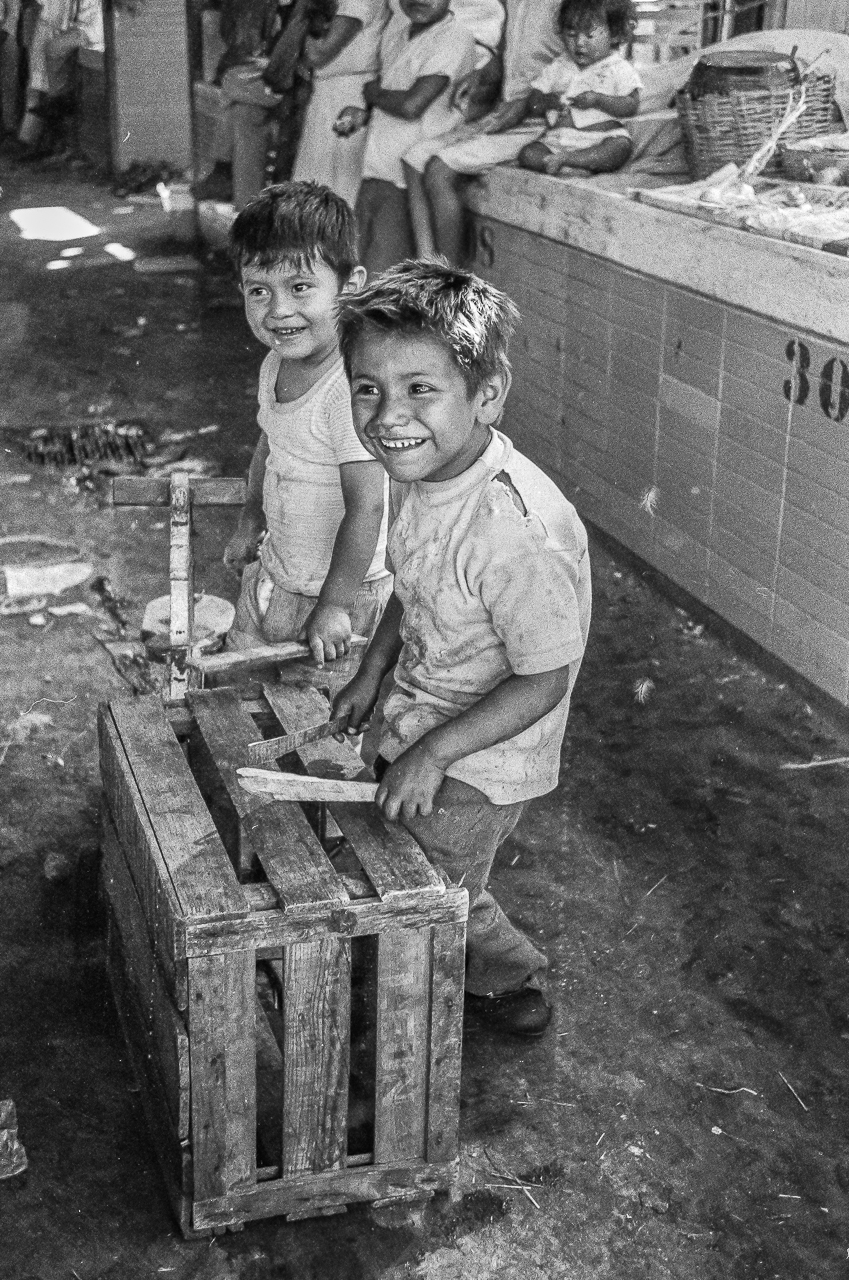 Happy Drummer Boys, Mexico City Market