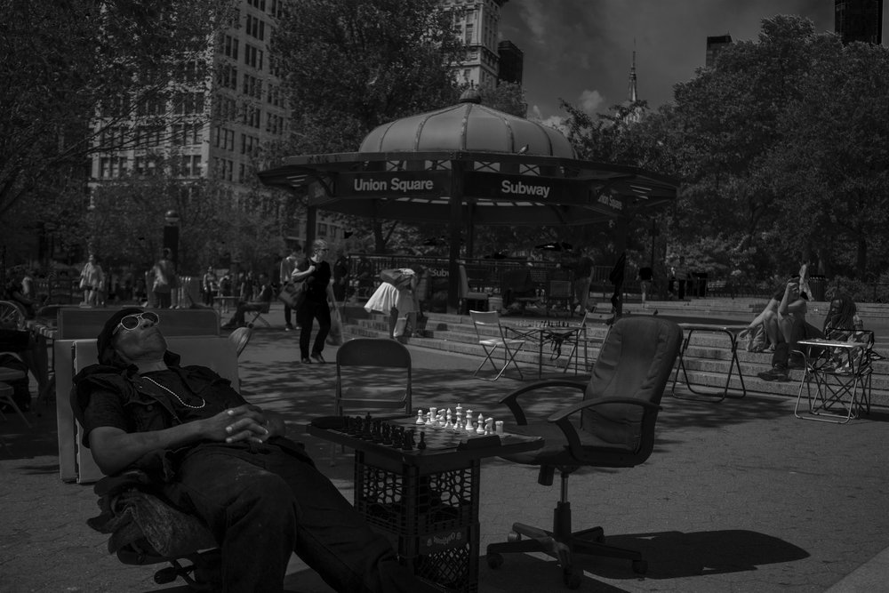 NYC_Street_2018_Sleeping_Chess_Player-001.jpg