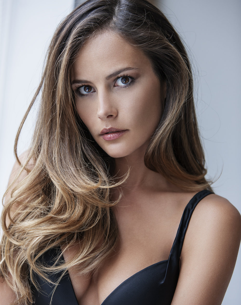 Natalia_Beauty_2-044crp.jpg