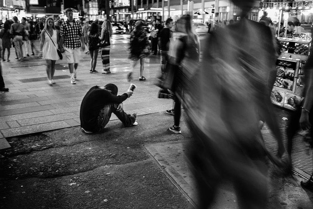 NYC_Timesquare_Begger_2016-016.jpg