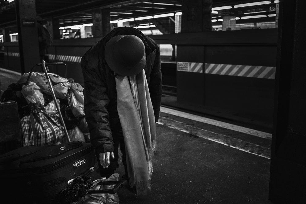Brklyn_Subway_2018_Hoyt_Homeless_woman-113.jpg