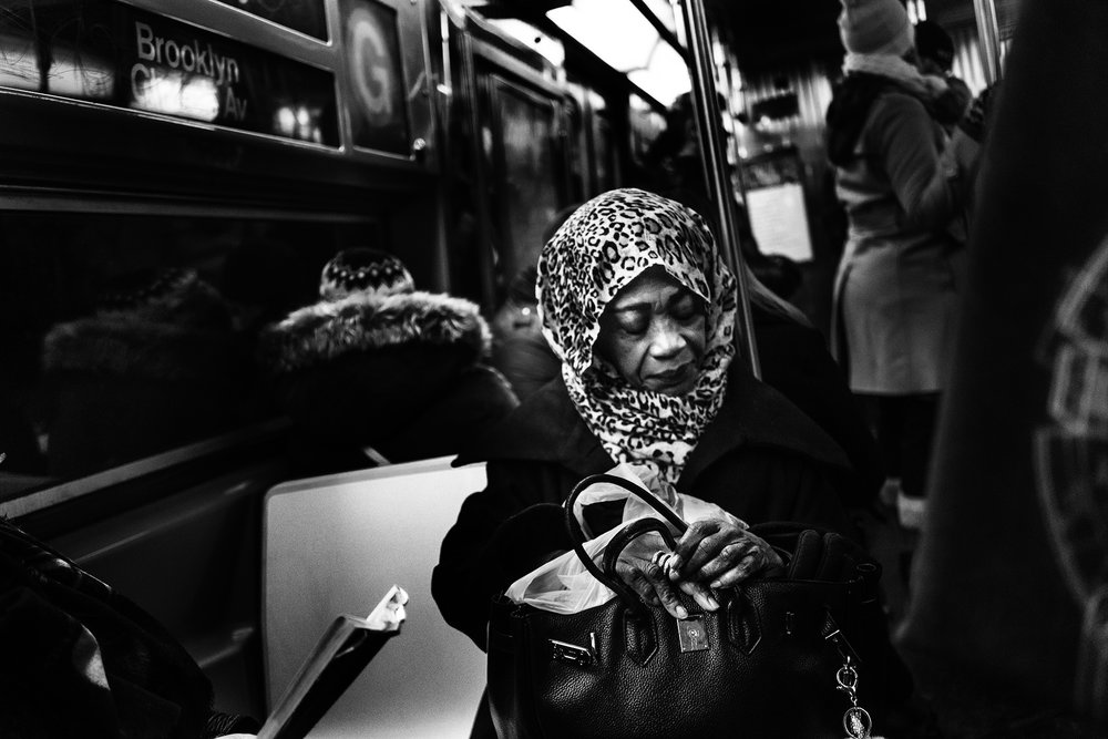 NYC_Subway_Old_Lady_Scarf_Hands_2018-037.jpg