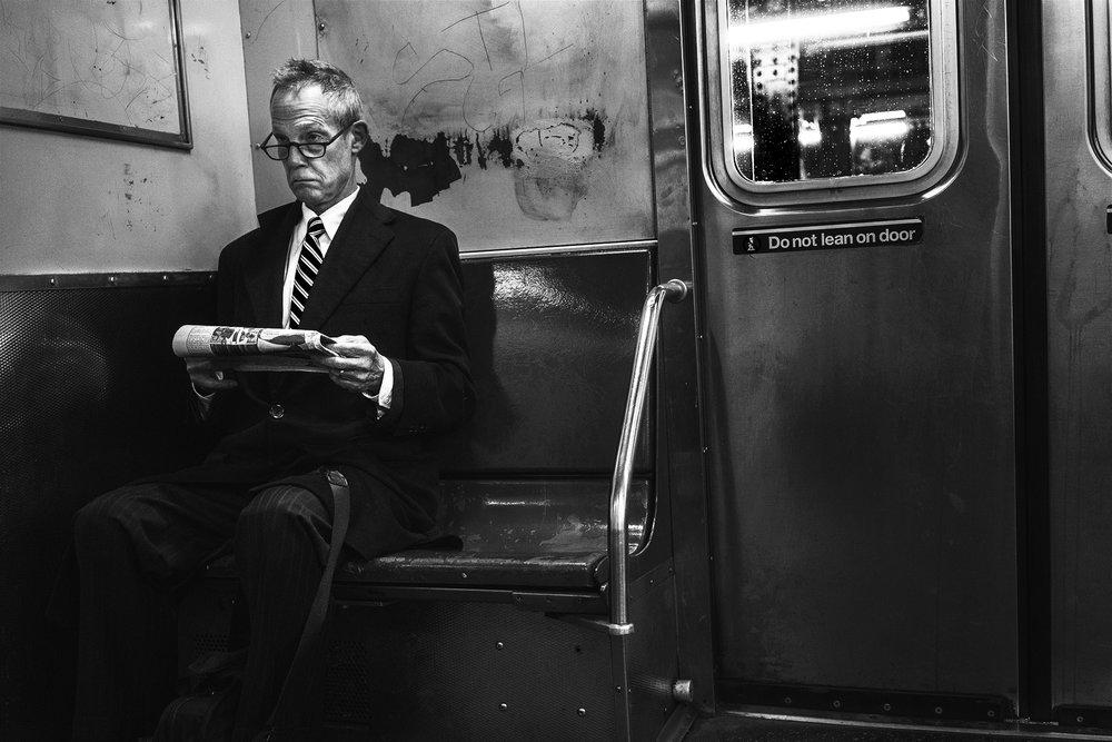 NYC_Subway_OldMan_Reading_2016-019.jpg