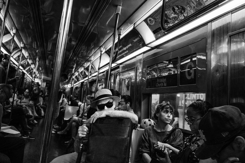NYC_Subway_SunGlass_Man_2017-023.jpg