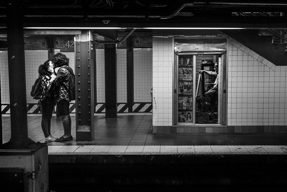 NYC_SubwayKiss_2016-005crp.jpg