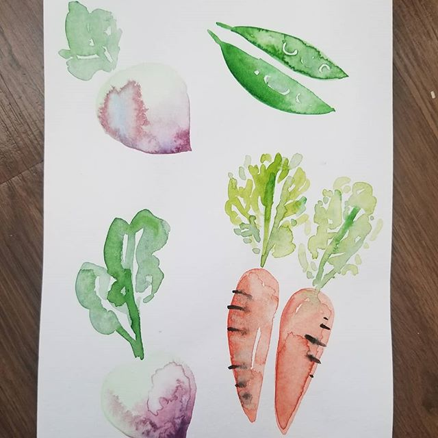 Some water color veggies 🥕🌶🍅🥦 I dont know why but every time I cant think of something to paint j end up painting vegetables.  #vegetables #veggies #garden #watercolor #painting #design #art