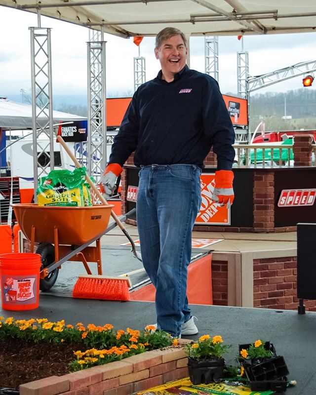 "#tbt to a happy ""behind the scenes"" moment from way back in 2010 at the Bristol Motor Speedway with John Roberts @bmsupdates @homedepot @nascar #behindthescenes #bristol #bristolmotorspeedway #nascar #johnroberts #womeninmedia #speed #raceday"