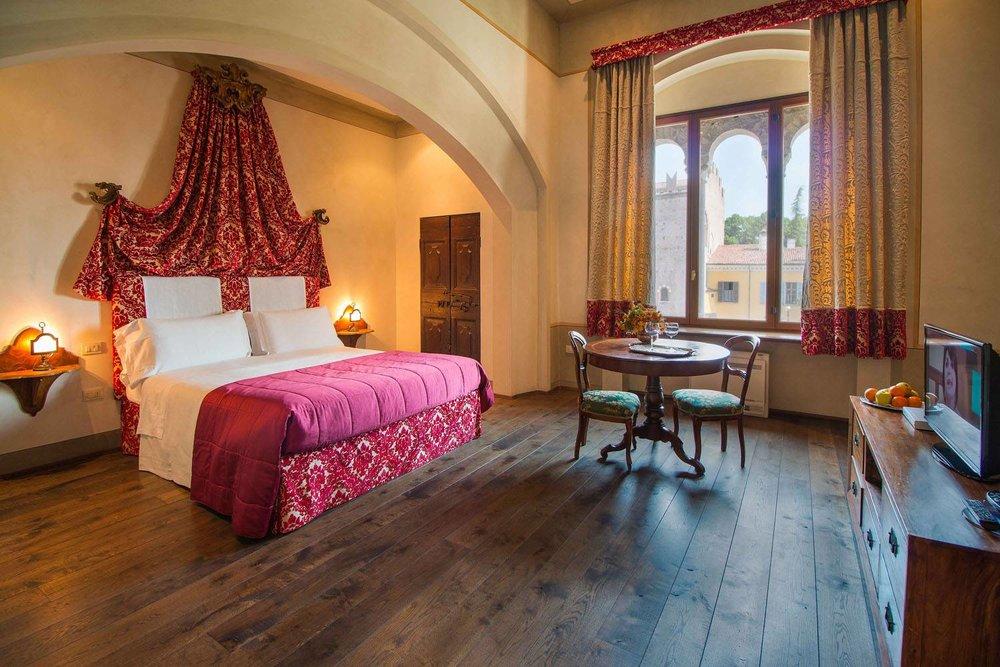 Palazzo_Castiglioni_48-thumbnail-1600x1600-70.jpg