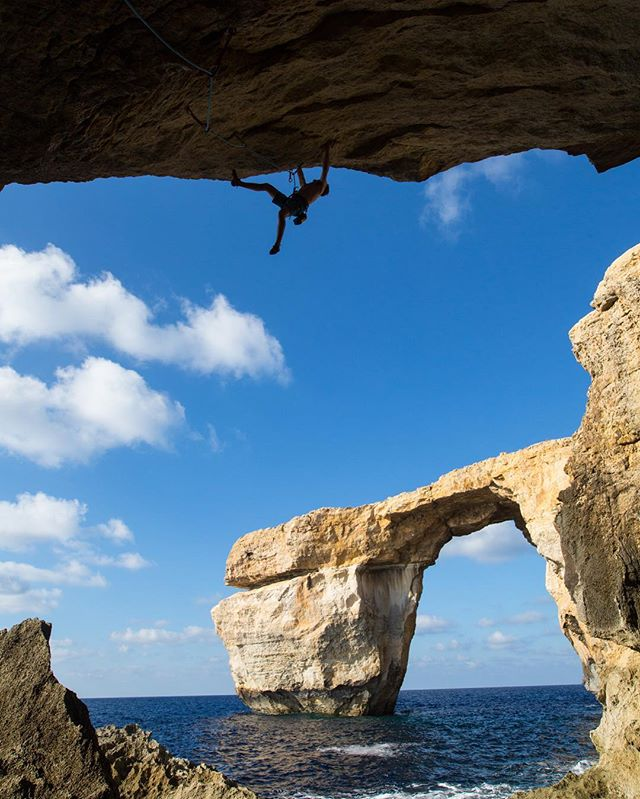 Super bummed to hear the Azure Window collapsed! It was one of the most amazing formations off of coast Gozo in Malta! Psyched to have made the journey there last year with @mason_earle and 📷@andrew_burr