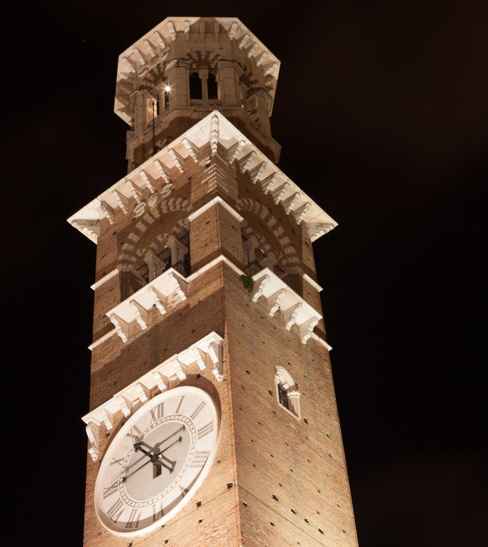 Italy : Veneto : Torre dei Lamberti, built in 1172
