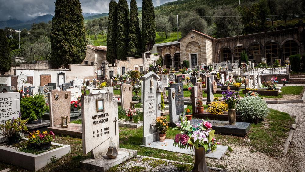 Italy : Veneto : A cemetery along Lake Garda
