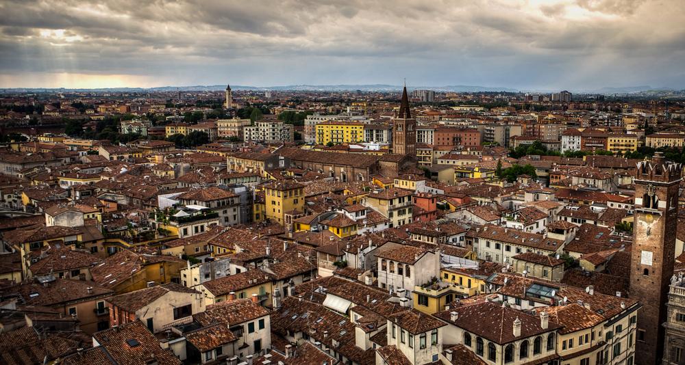 Italy : Veneto : Rooftops, Verona