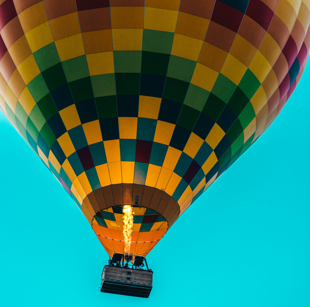 California : Napa Valley : Balloons over Yountville
