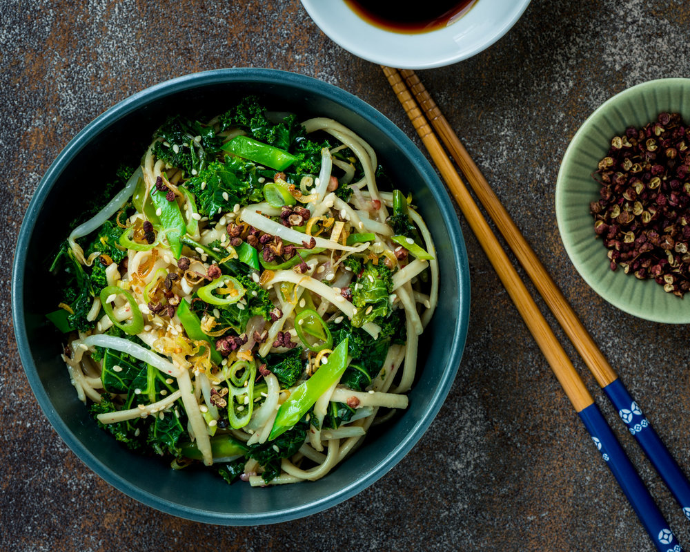 Chilled udon noodles, ginger and lemongrass vinaigrette, Szechuan peppercorns, shallot, sautéed kale, snow peas, green onion, bean sprouts, fried lemongrass  :  Pair with Gruner Veltliner, Riesling or sparkling wines