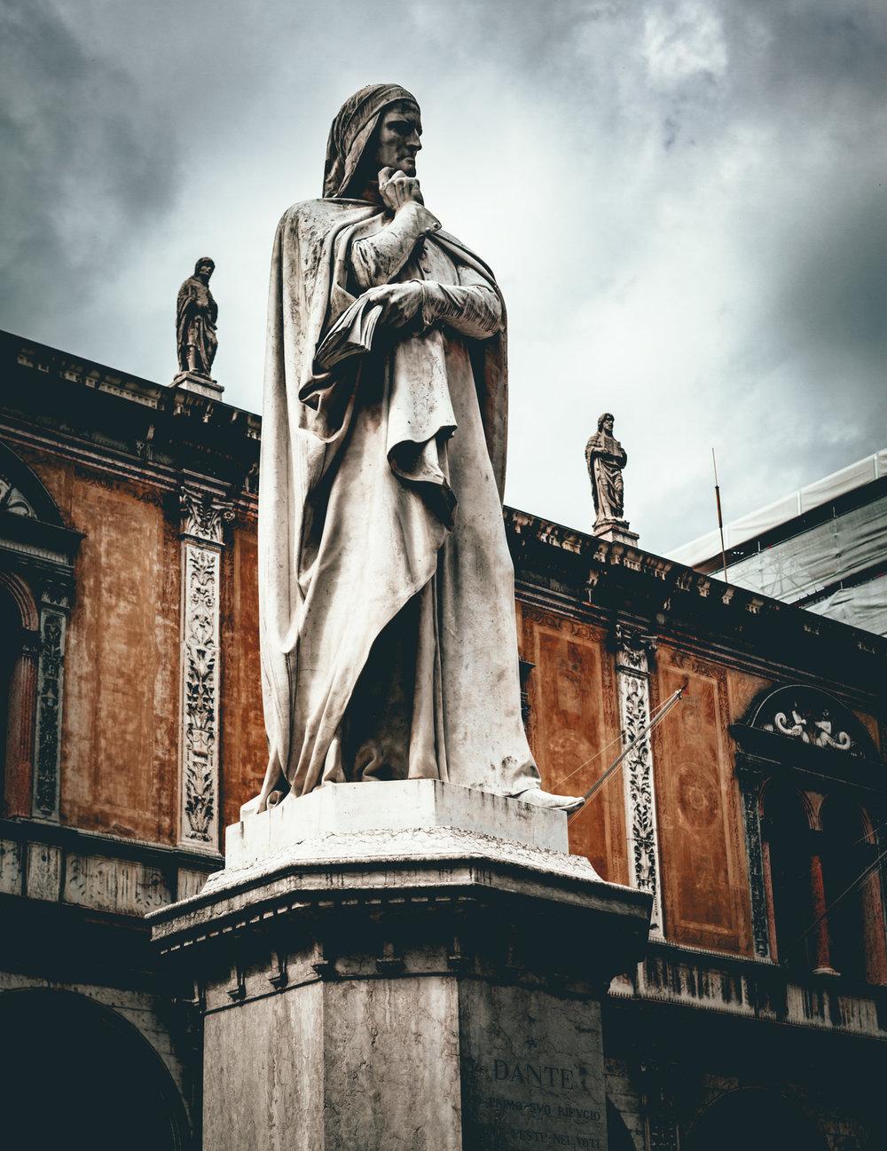 Italy : Verona : Dante