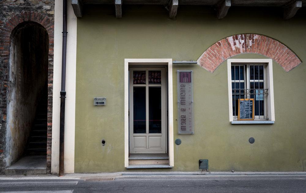 Italy : Piedmont : More e Macine in La Morra
