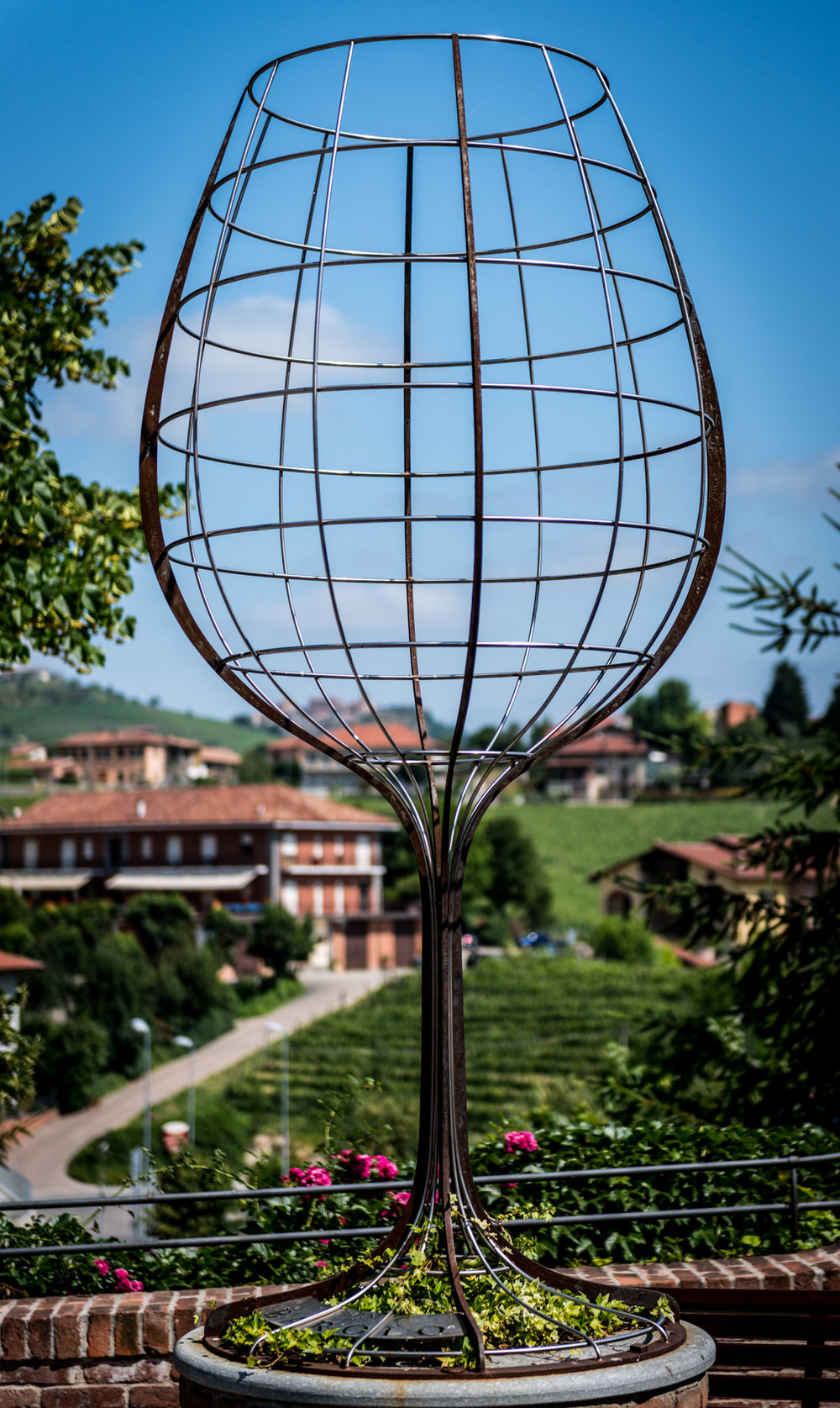 Italy : Piedmont : Welcome to Barolo