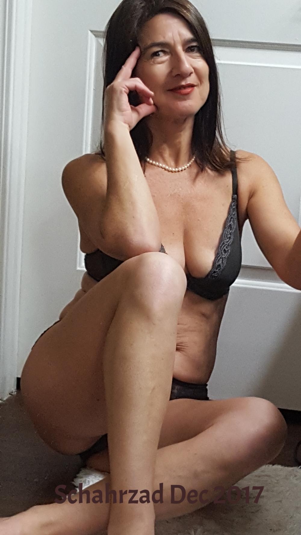 brown lingerie Dec 2017.png